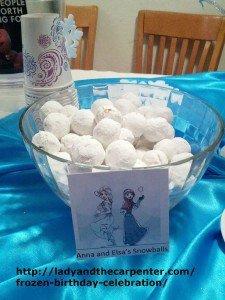 Anna and Elsa Snowballs